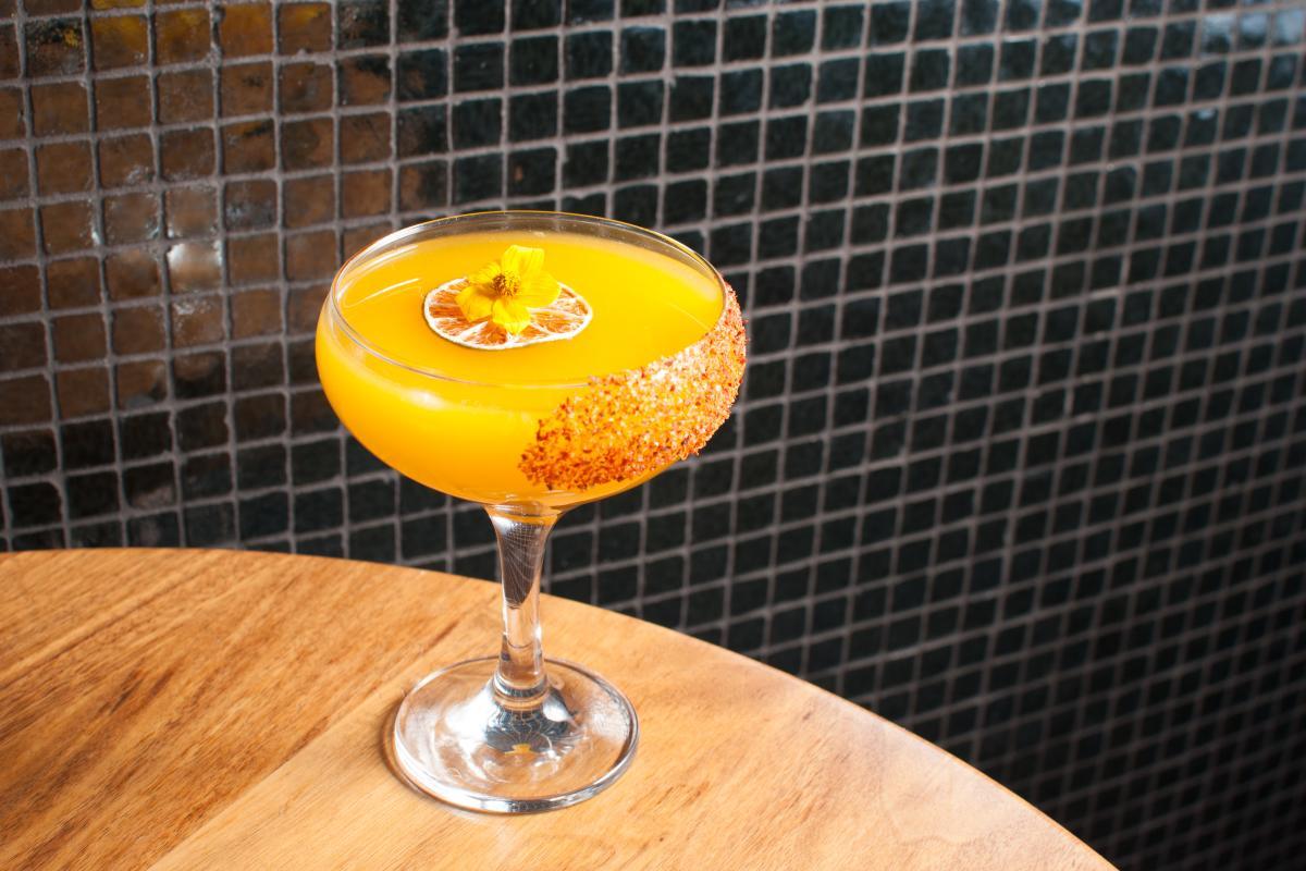 HVH Mango Tango Cocktail